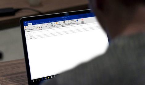 Sähköpostin viemä ja tuoma aika